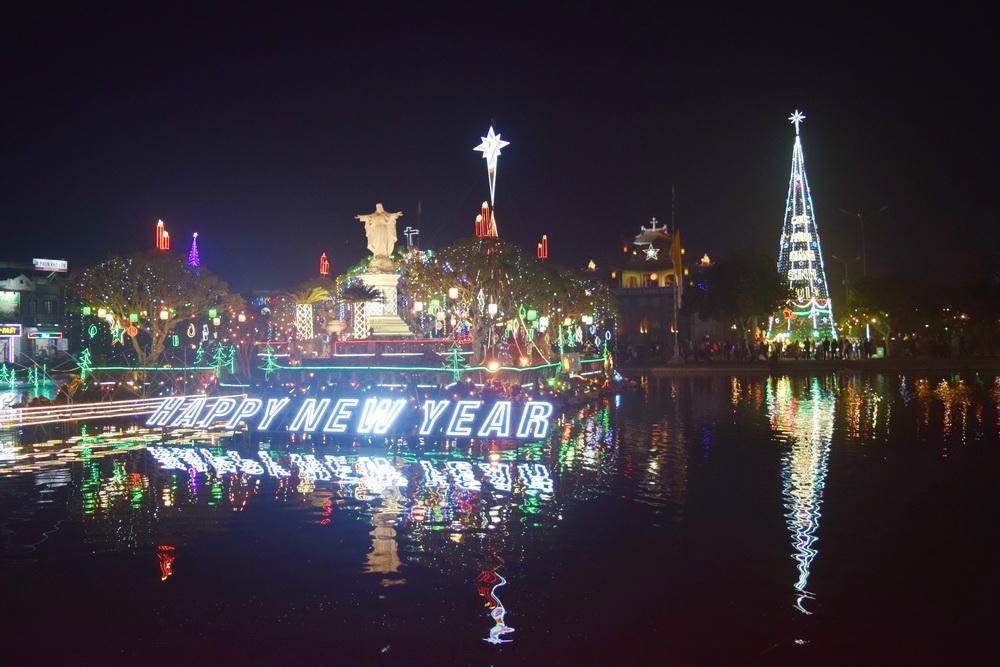 Ninh Bình Rực Rỡ Màu Sắc Đón Giáng Sinh 2019