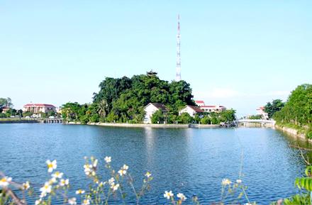 """Núi Kỳ Lân - """"Hòn ngọc xanh"""" giữa thành phố Ninh Bình"""