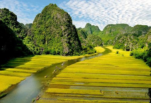 Tam Cốc - một trong bảy hang động đẹp nhất Việt Nam